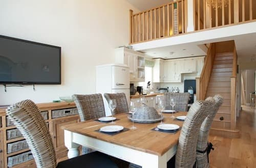 Last Minute Cottages - Beautiful St Ives Apartment S114655