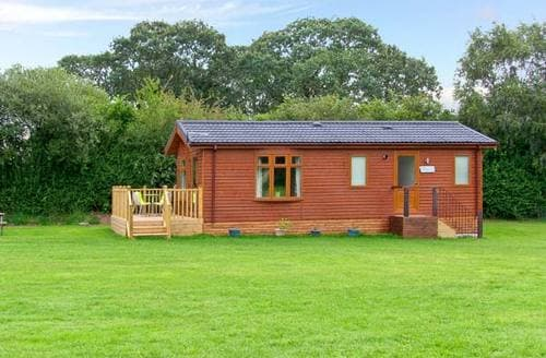 Last Minute Cottages - Exquisite Market Drayton Lodge S2598