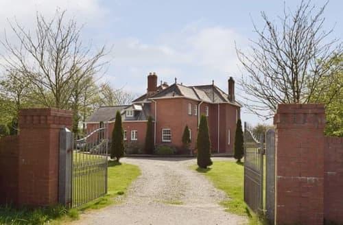 Big Cottages - Delightful Cardigan Cottage S90709
