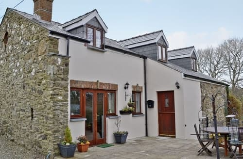 Last Minute Cottages - Cosy Haverfordwest Cottage S21882