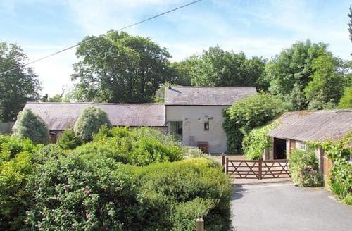 Last Minute Cottages - Quaint Tenby Cottage S21944