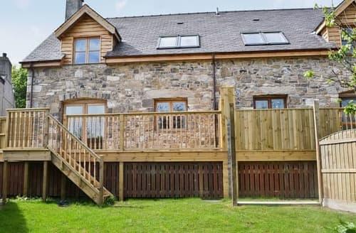 Big Cottages - Adorable Beaumaris Cottage S22063