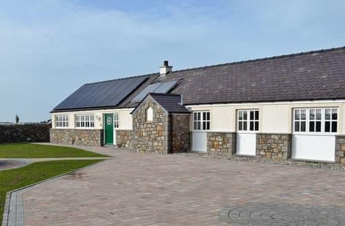 Big Cottages - Captivating Holyhead And Treaddur Bay Cottage S22114