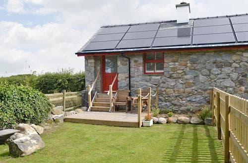 Last Minute Cottages - Excellent Caernarfon Cottage S40995