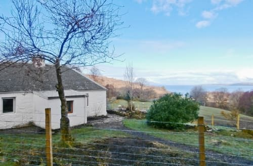 Last Minute Cottages - Quaint Acharacle Cottage S22571