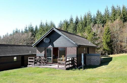 Last Minute Cottages - Tasteful Ballindalloch Lodge S81225