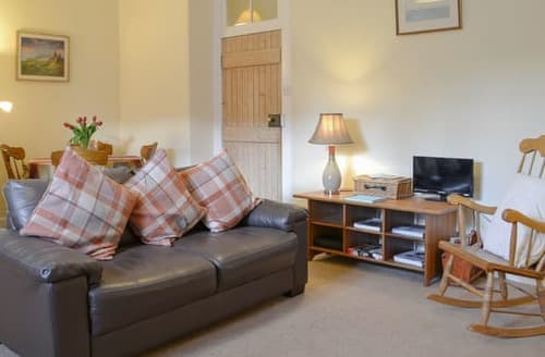 Last Minute Cottages - Tasteful Tarbert Cottage S104885