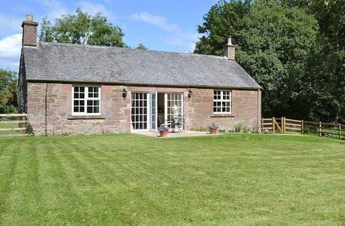Last Minute Cottages - Cosy Blairgowrie Cottage S23352