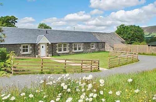 Big Cottages - Tasteful Biggar Cottage S23532