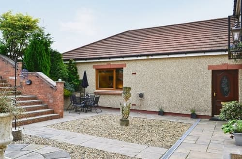 Last Minute Cottages - Inviting Glasgow Cottage S23538