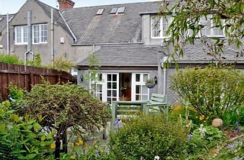 Last Minute Cottages - Attractive Glasgow Cottage S23549