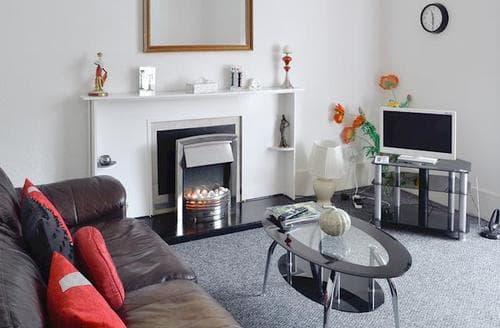 Last Minute Cottages - Captivating Glasgow Apartment S94710