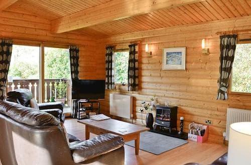 Last Minute Cottages - Splendid Sandyhills Lodge S97688