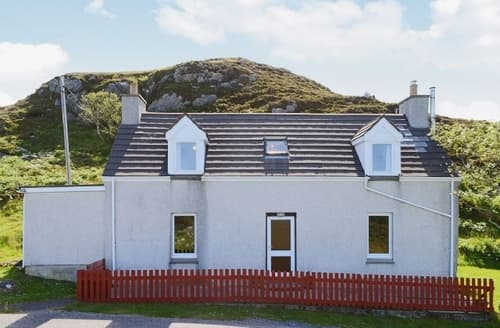Last Minute Cottages - Lovely Lochinver Cottage S38054