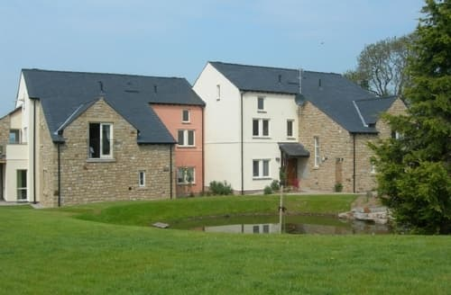 Last Minute Cottages - Cosy Carnforth Cottage S84521
