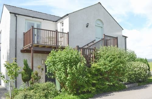 Last Minute Cottages - Cosy Kirkby Lonsdale Apartment S24397