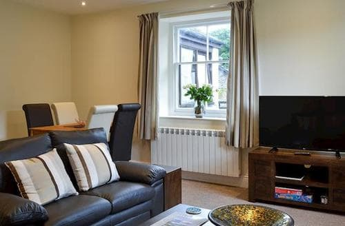 Last Minute Cottages - Delightful Grasmere And The Langdale Valley Apartment S84598