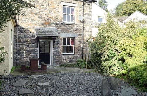 Last Minute Cottages - Cosy Braithwaite Cottage S84879