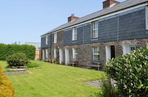 Last Minute Cottages - Excellent Wadebridge Cottage S24537