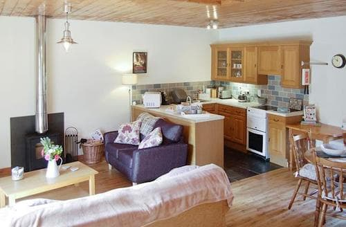 Last Minute Cottages - Cosy Polperro Cottage S83657
