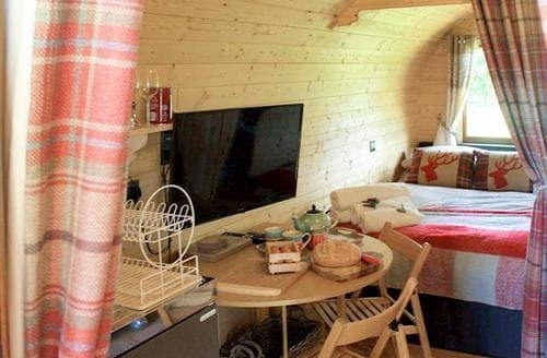 Last Minute Cottages - Mountain View Glamping Pod