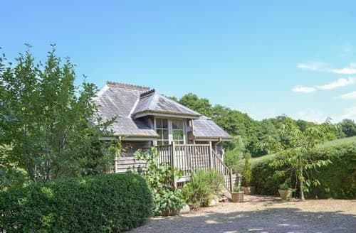 Last Minute Cottages - Captivating Sidmouth Apartment S113435