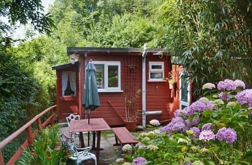 Last Minute Cottages - Luxury Crackington Haven Lodge S24631
