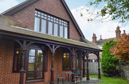Big Cottages - Beautiful Freshwater Cottage S14255
