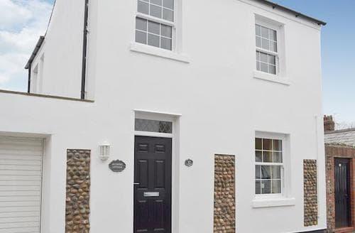 Last Minute Cottages - Charming Lytham St Annes Cottage S49947