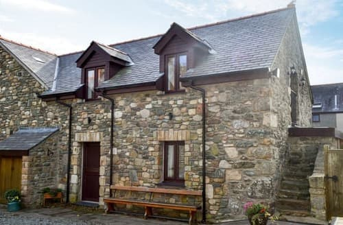 Last Minute Cottages - Superb Rhosneigr And Aberffraw Cottage S122457