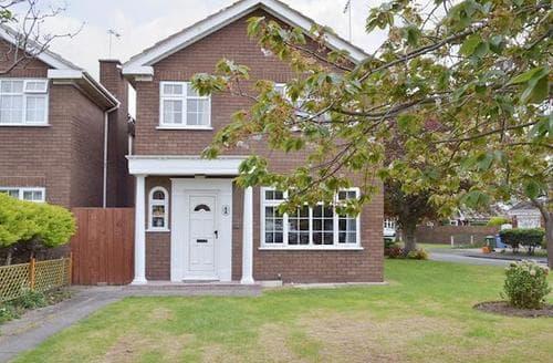 Last Minute Cottages - Wonderful Rhyl And Prestatyn Apartment S50236
