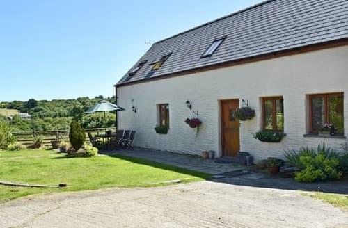 Big Cottages - Tasteful Preseli Hills Cottage S105369