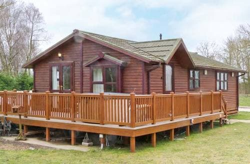Last Minute Cottages - Quaint Lincoln Lodge S2653