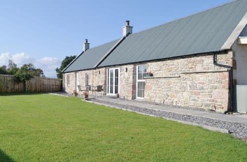Last Minute Cottages - Captivating All Black Isle Cottage S41277