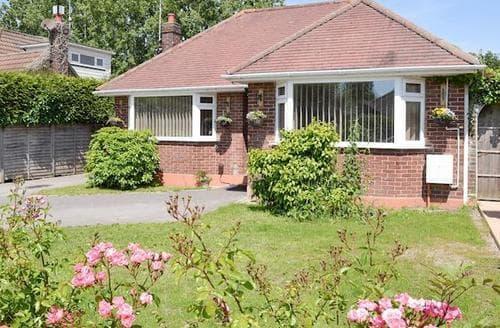 Last Minute Cottages - Gorgeous Poole Cottage S83100