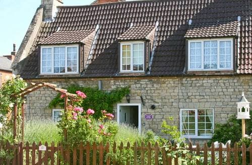 Last Minute Cottages - Cosy Sleaford Cottage S2654