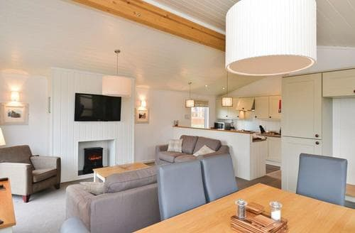 Last Minute Cottages - Charming Cheddar Lodge S122510
