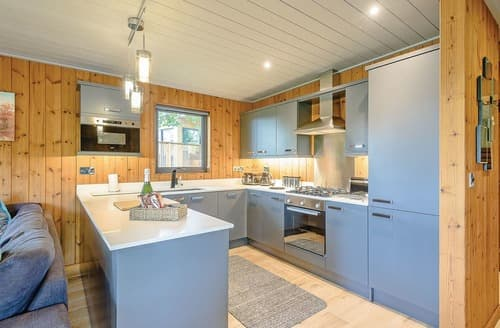 Last Minute Cottages - Inviting Henlle Lodge S122550