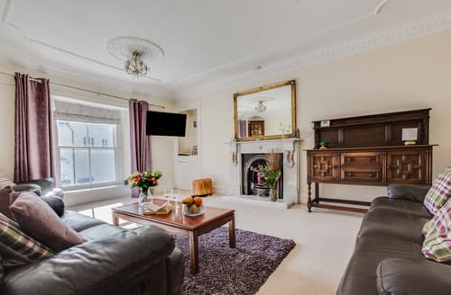 Last Minute Cottages - Gower House