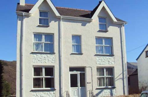 Last Minute Cottages - Excellent Caernarfon Hill S4637