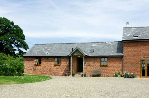 Last Minute Cottages - Adorable Bishops Castle Byre S2040