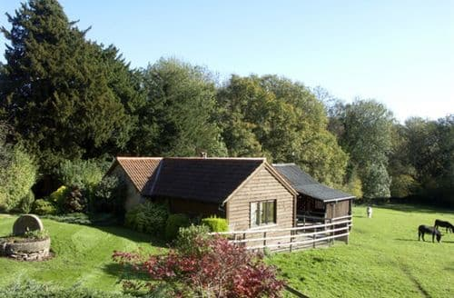 Last Minute Cottages - Cosy Hereford Cottage S2062