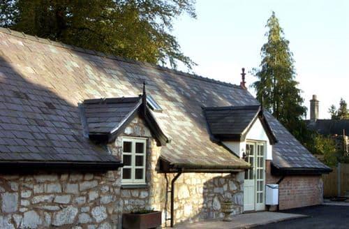 Last Minute Cottages - Exquisite Ruthin Loft S4706