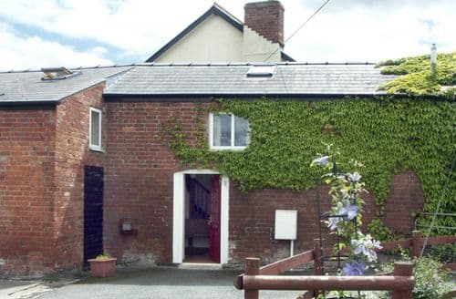 Last Minute Cottages - Adorable Hereford House S2093