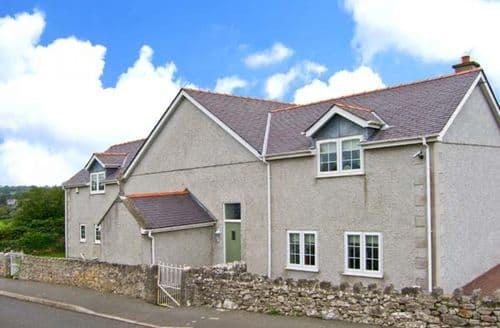 Big Cottages - Superb Moelfre Rooms S4742