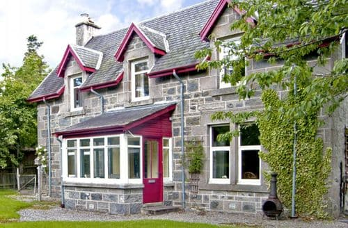 Last Minute Cottages - Beautiful Newtonmore Rental S4757