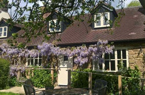Last Minute Cottages - Inviting Church Stretton Cottage S2129