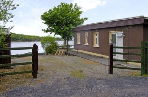 Last Minute Cottages - Charming  Lodge S4960