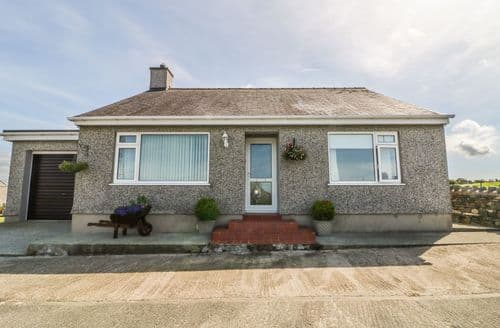 Big Cottages - Beautiful Rhosgoch Rental S4973
