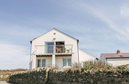 Big Cottages - Superb Holyhead Rental S5042